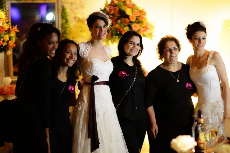 """Helen Lima e sua equipe trabalharam no casamento duplo, que foi ao ar no programa """"Chuva de Arroz"""", no GNT (DG Fotografia)"""