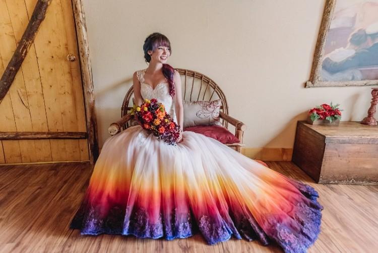 Taylor Ann e o vestido colorido por ela mesma (  James Tang Photography)