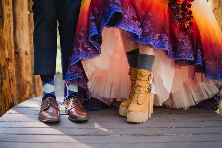 Sapatos de Taylor também não são nada convencionais (   James Tang Photography)