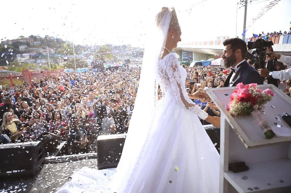Erica e Jorge se casaram em parque de Franco da Rocha durante Parada LGBT (Reprodução/Facebook)